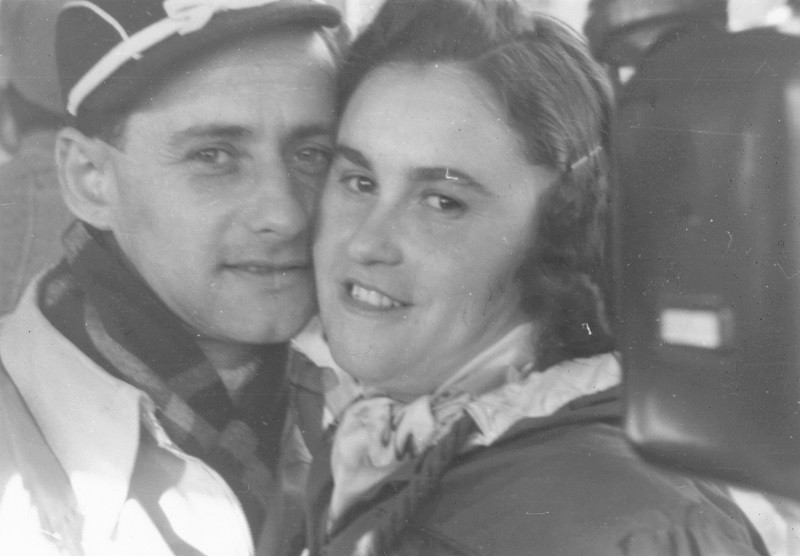 Lale Sokolow i jego żona Gita - bohaterowie książki Tatuażysta z Auschwitz, zbliżenie na twarze