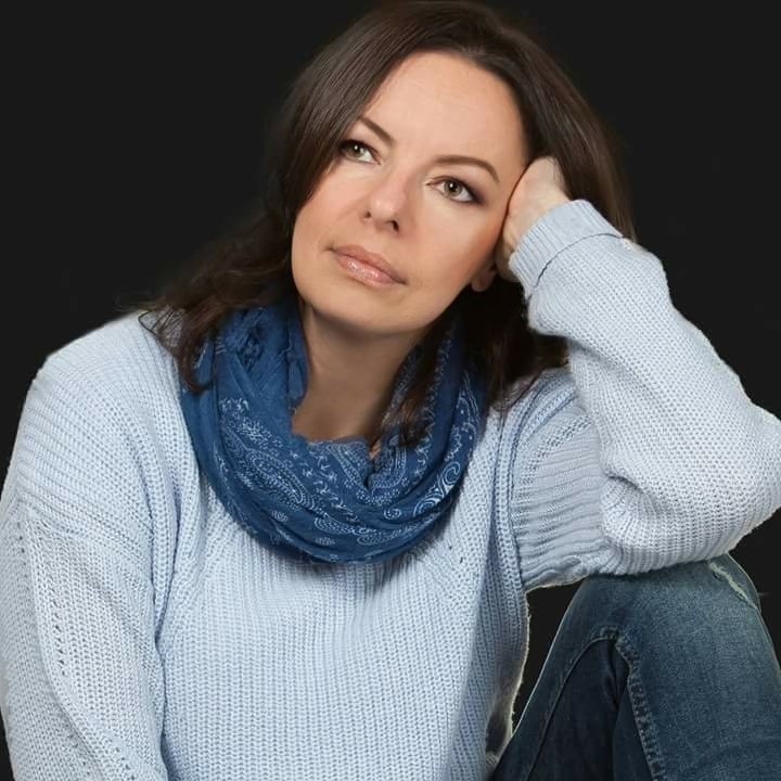 Wioletta Sawicka, portret pisarki