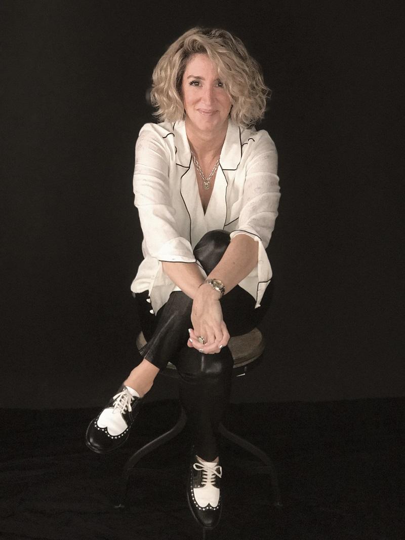 Autorka Gretchen Berg w studio zdjęciowym