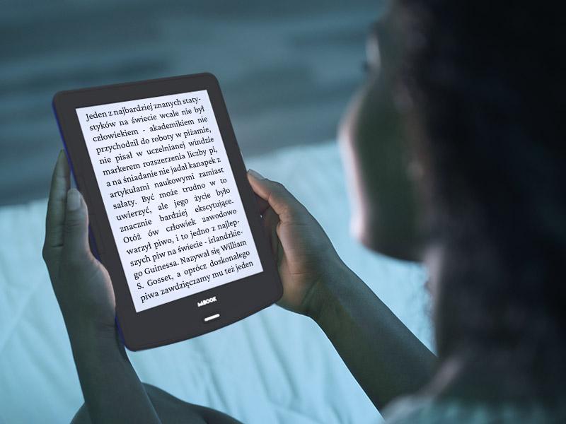 czytnik inkbook, w nocy