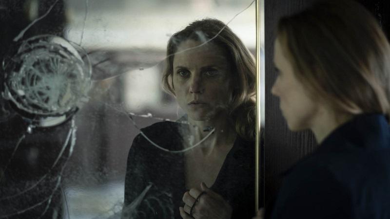 Julia Kijowska w serialu Rysa